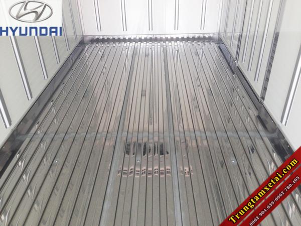 Sàn Inox 304 xe tải Hyundai HD72 3T5 thùng đông lạnh-trungtamxetai.com