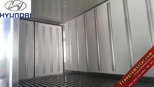 Thùng xe tải Hyundai HD72 3T5 đông lạnh nhập khẩu nguyên chiếc-trungtamxetai.com