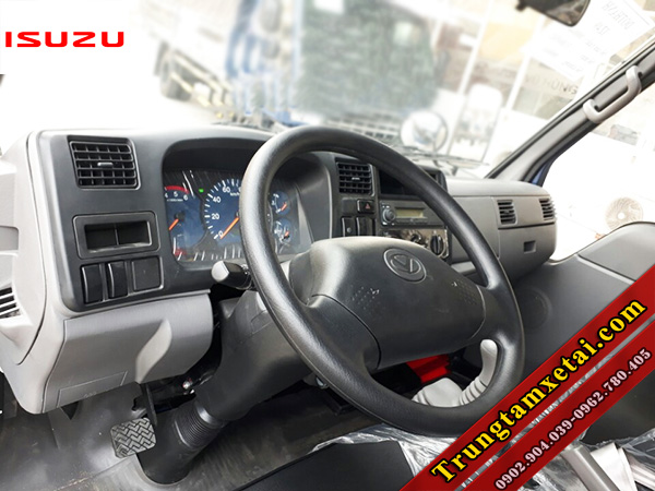 Cabin nội thất xe tải Dothanh IZ49 2T4 động cơ ISUZU-trungtamxetai.com