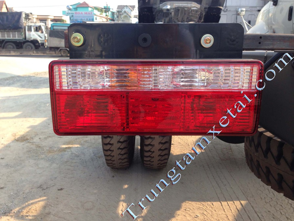 đèn xe tải JAC-trungtamxetai.com
