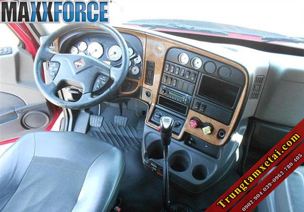 Nội thất xe đầu kéo mỹ International máy maxxforce 1 giường đời 2010-trungtamxetai.com