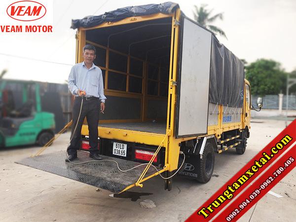 Xe tải bửng nâng VEAM VT200 2T-trungtamxetai.com