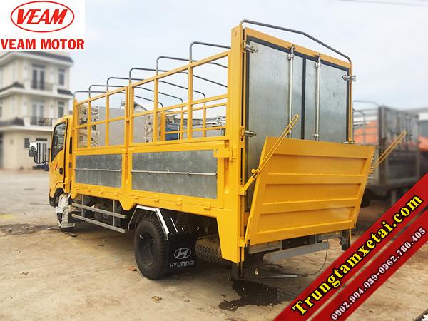 Thùng xe tải bửng nâng VEAM VT200 2T có sẵn hồ sơ-trungtamxetai.com