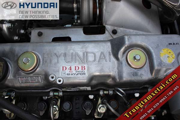 Động cơ Hyundai D4DB 3.9L trên xe cứu hộ Veam VT300CH