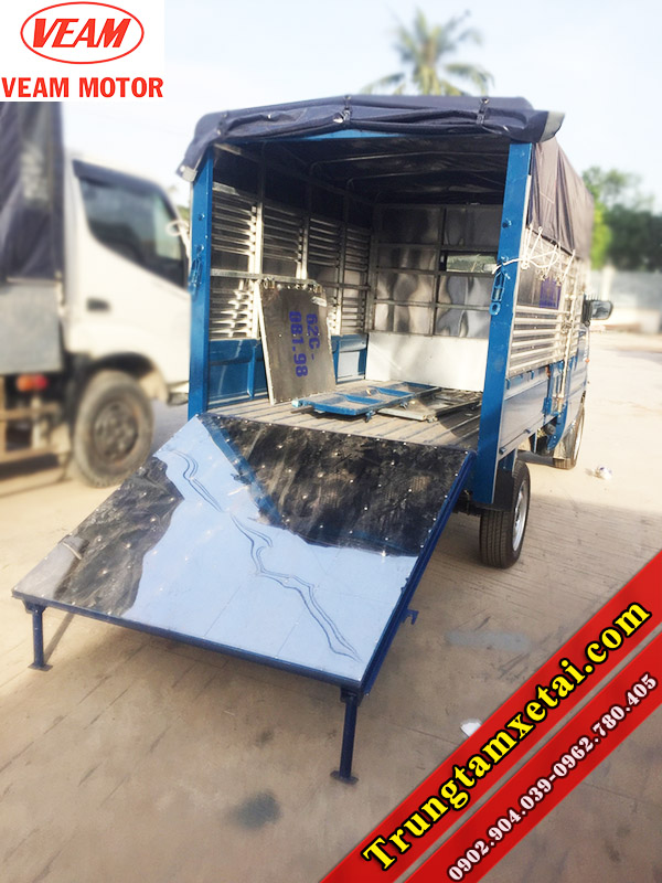 Đóng thùng mui bạt chở bò gia súc xe tải Veam Star 740Kg-trungtamxetai.com