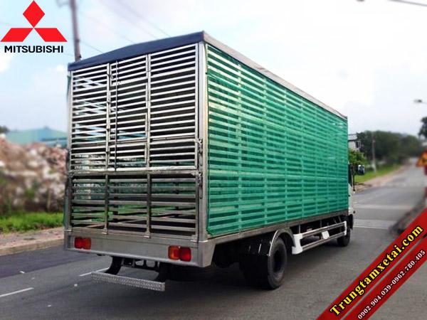 Xe tải chở gia cầm- xe chở gà vịt Mitsubishi-trungtamxetai.com
