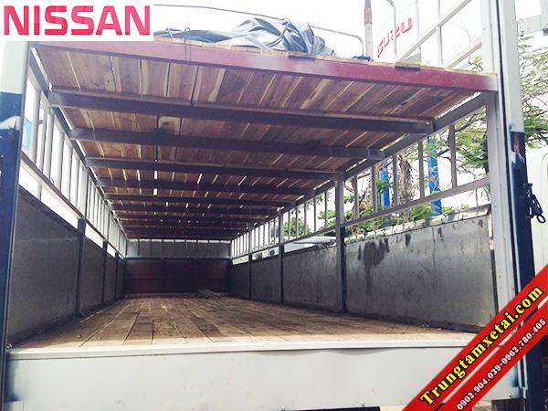 Sàn xe tải chở xe máy Gỗ NISSAN-trungtamxetai.com